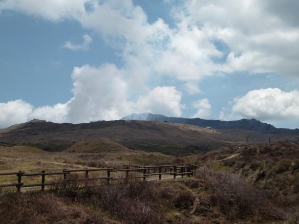 Au plus près de ce que l'on a pu approcher du volcan.