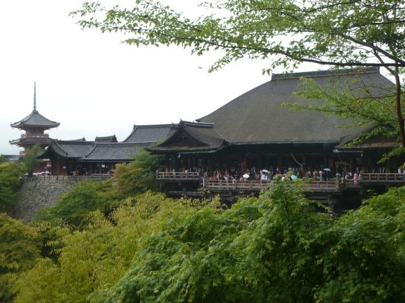 Vue d'ensemble des principaux bâtiments du Kiyomizu dera.